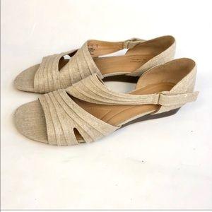 Naturalizer beige linen wedge sandals